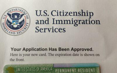 5 ajustes de la Administración Biden que deben saber inmigrantes que solicitan 'green card' y otras visas