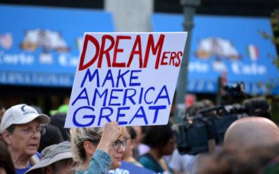 Un juez de Texas declara ilegal el programa DACA de EE. UU. y suspende nuevas solicitudes