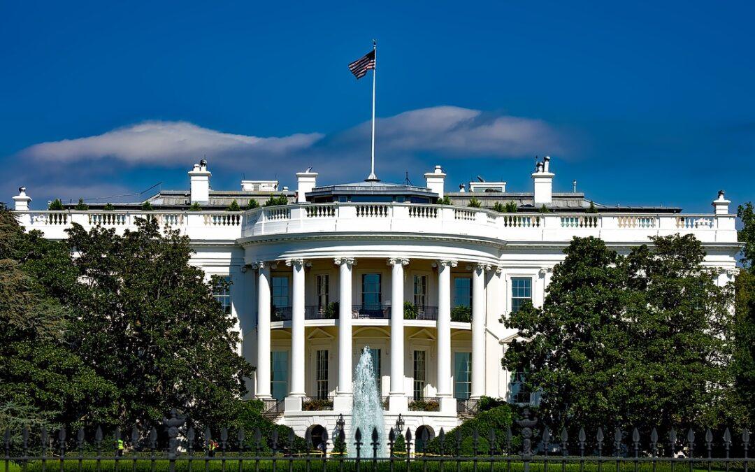 La Casa Blanca ordena a funcionarios de migración adoptar un lenguaje inclusivo hacia migrantes